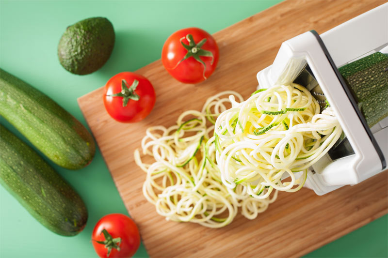 zucchini nudeln mit spiralschneider