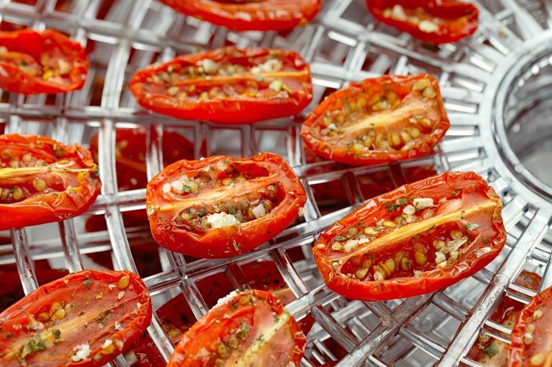 getrocknete-tomaten-dörrgitter