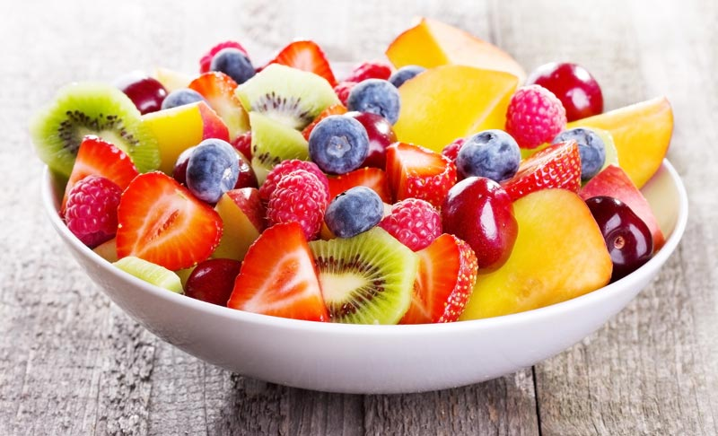 Low Carb Obst – Welches Obst hat wenig Kohlenhydrate (inkl. Tabelle)