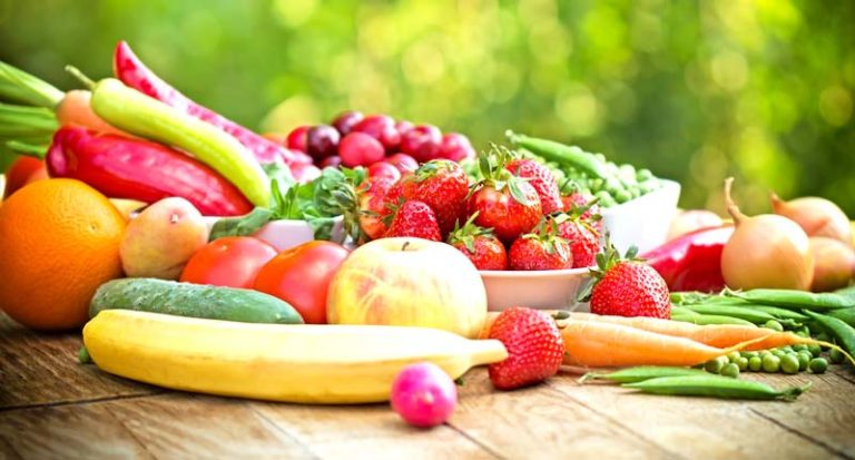 Gemischtes Obst und Gemüse zum Dörren