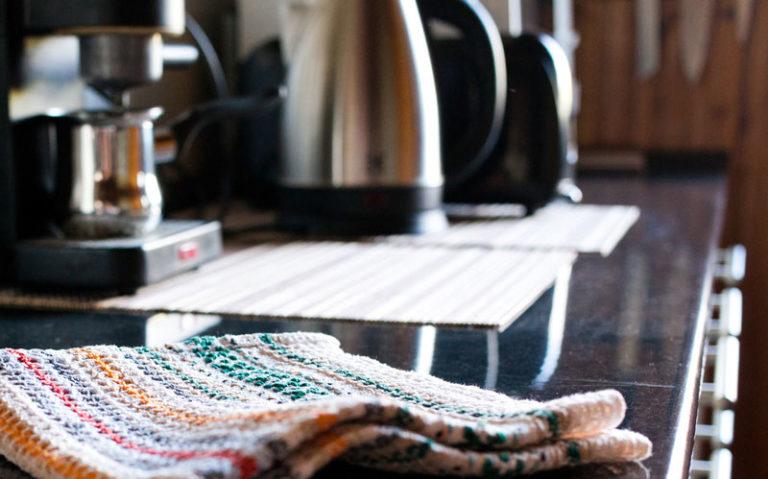 Aicok Wasserkocher mit vollständig Edelstahl im Inneren