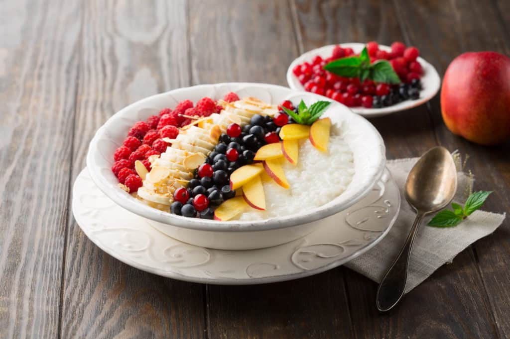 Rice pudding with fresh fruits